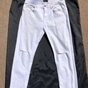 Zara Jeans White Ripped By Knees waist 32 USA